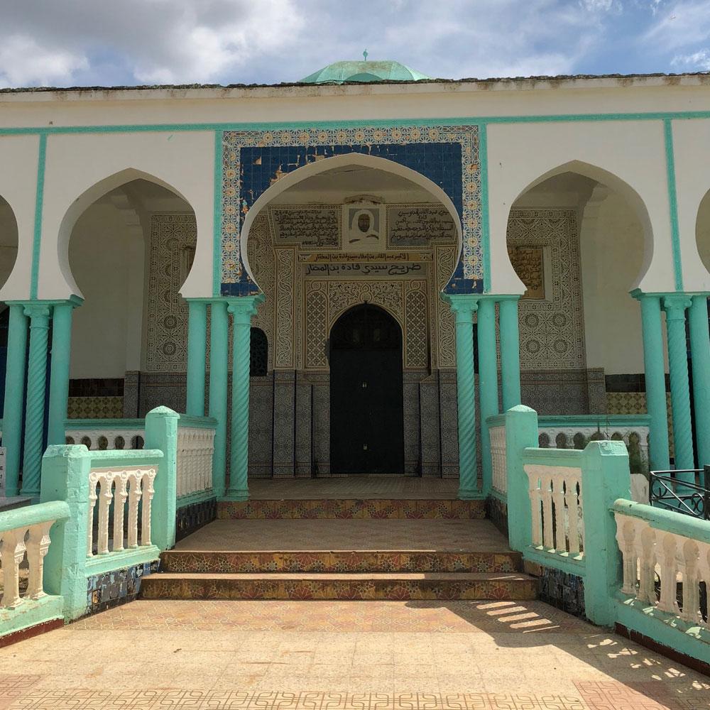 ضريح سيدي قادة بن المختار جد الأمير عبد القادر الرابع في سيدي قادة غربي الجزائر